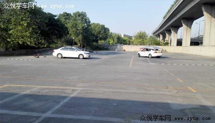 河南洛阳凤山驾校