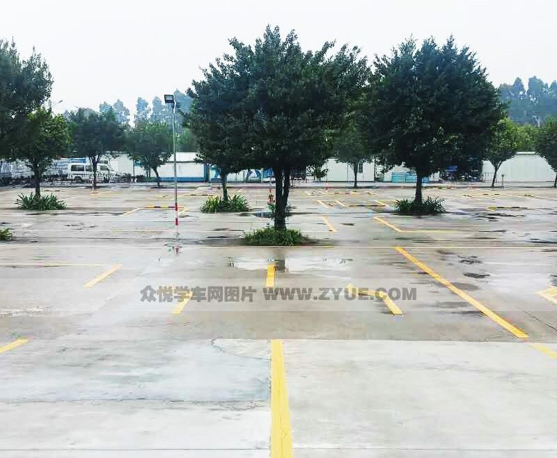 广州警辉驾校训练场风采
