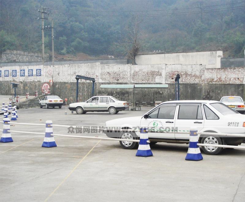 杭州长运驾校_长运驾校场地一角