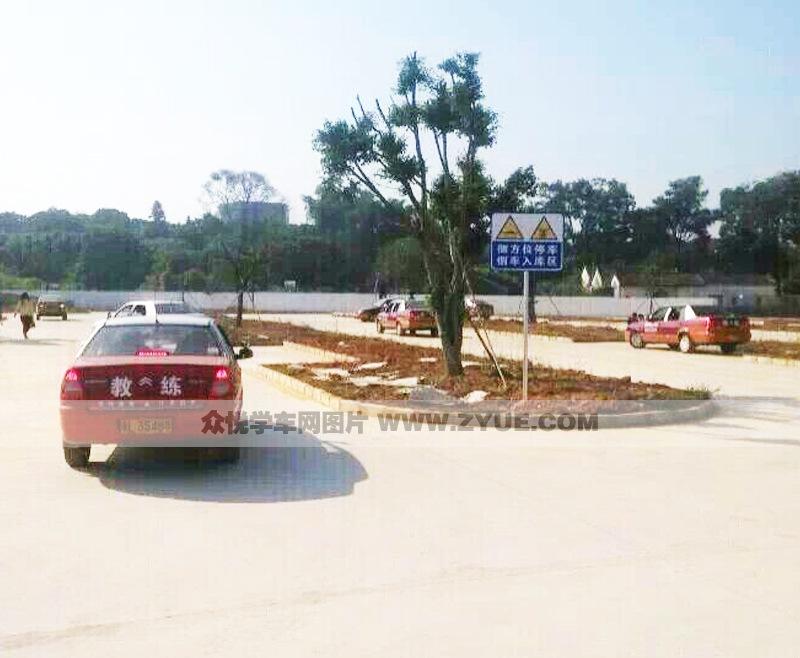 惠州凯旋驾校教练车展示