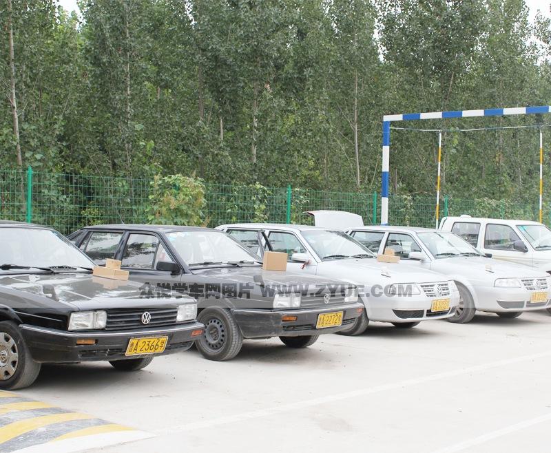鲁政苑驾校训练车型