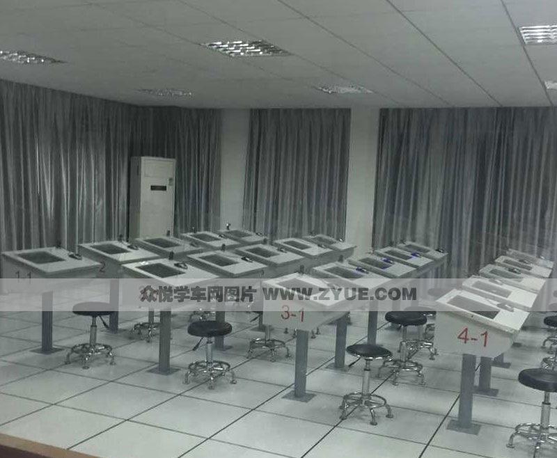 梅陇驾校场科目1考试教室