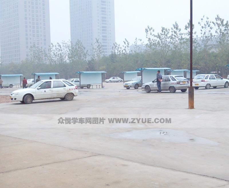 为江城明珠驾校c1教练车.   江城明珠驾校c1教练车 (2/3)   高清图片