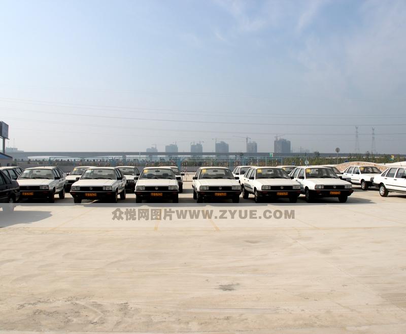 南京新东方驾校教练车