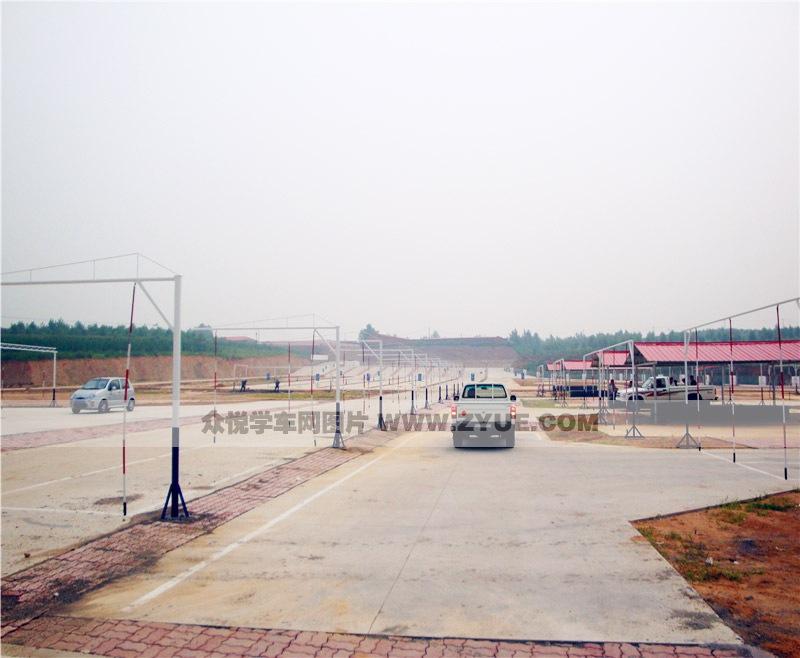 秦皇岛顺通驾校小车倒车入库场地照片