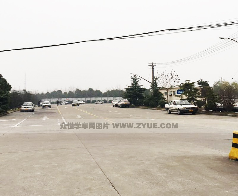上海锦隆巴士驾校训练场地