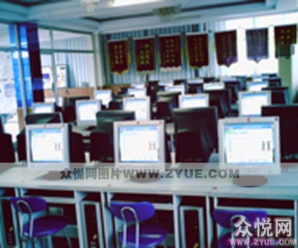3V驾校理论教室