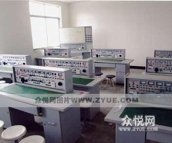 秦北驾校模拟教室