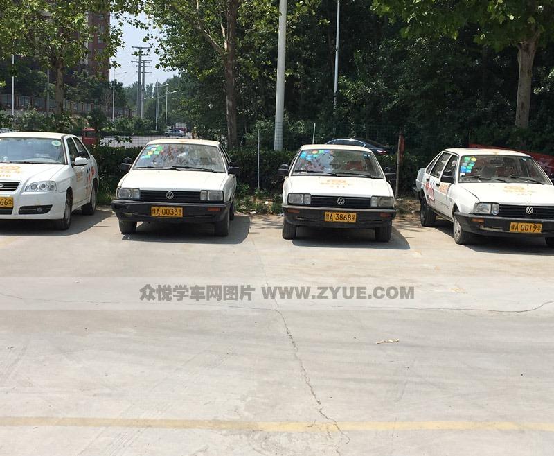 郑州育才驾校教练车展示