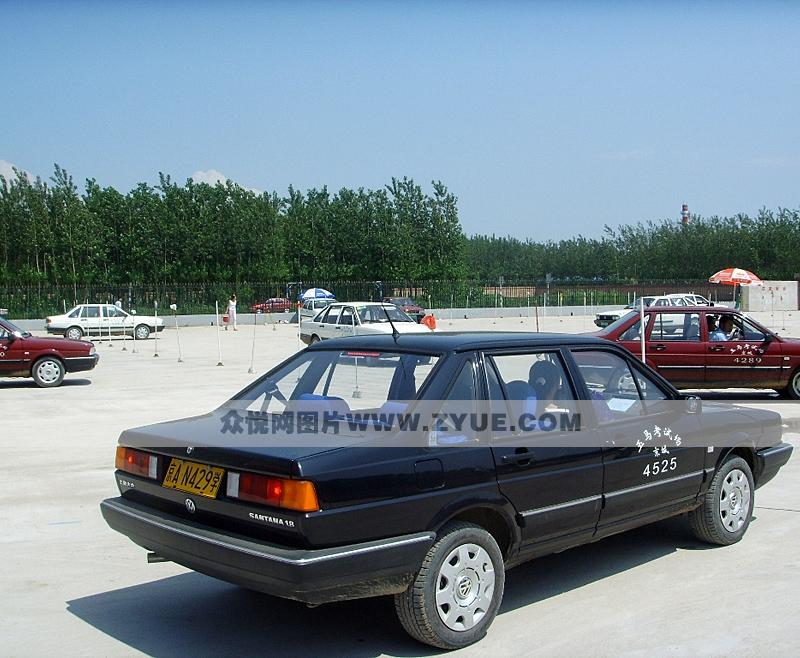 京城驾校普桑车