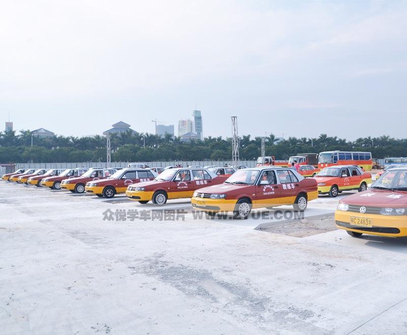 珠海顺通驾校教学用车照片