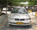 晓峰驾校教练车前面